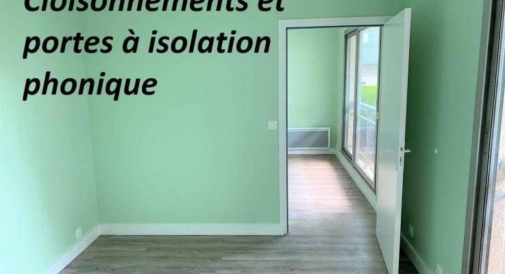Séparation de 2 cabinets par cloisons et portes isolantes acoustique