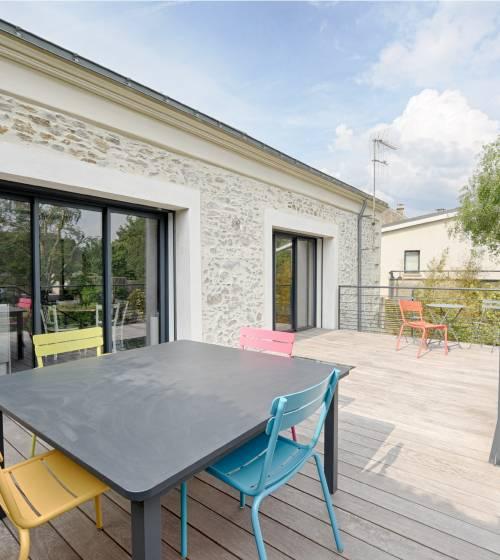 Terrasse à 2 niveaux en bois composite à Cholet