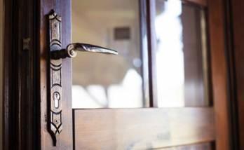 Installer une porte en bois à Belfort