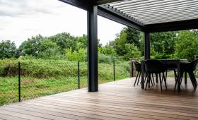 Terrasse bois et pergola bioclimatique