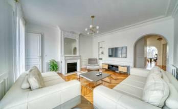 Rénover les murs d'un appartement à Paris étoile