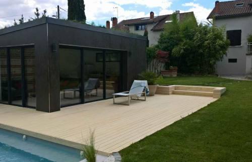 finition aménagement terrasse composite autour nouvelle piscine - Anglet -