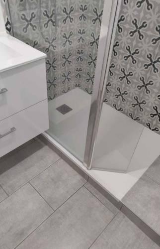 Salle de bain carreaux de ciment Sainte-Geneviève-des-bois