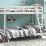 un lit superposé dans une chambre pour deux enfants
